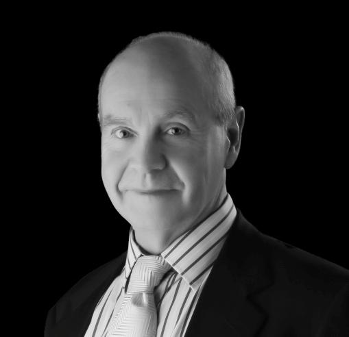 Photo of Dr Robert Maciver